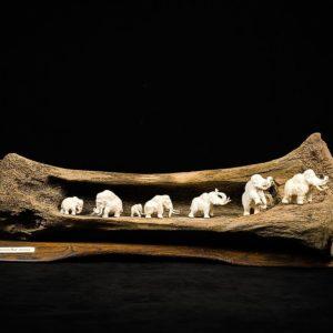 Композиции из бивня мамонта