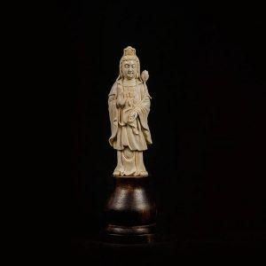 Будда из бивня мамонта