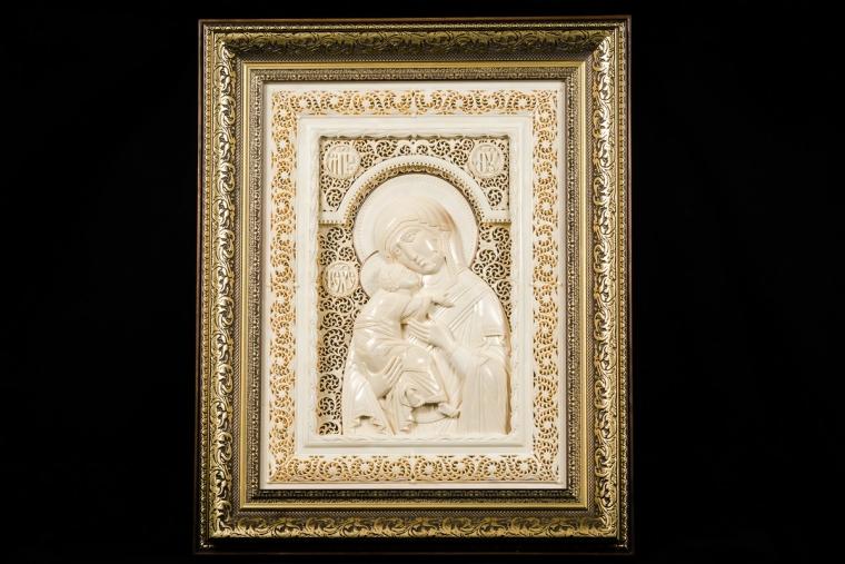 Икона Владимирская Божия Матерь из бивня мамонта