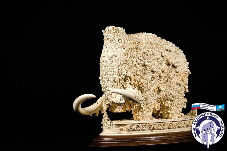 Фигура Мамонт из бивня мамонта