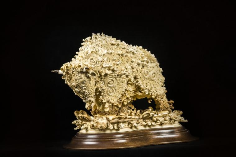 Бизон из бивня мамонта
