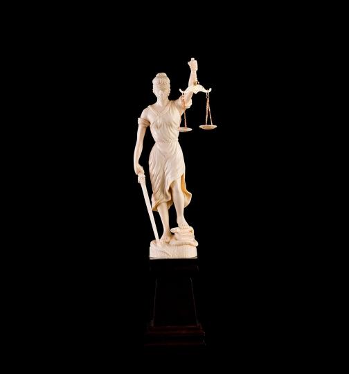 Фигура Правосудие(Фемида) из бивня мамонта