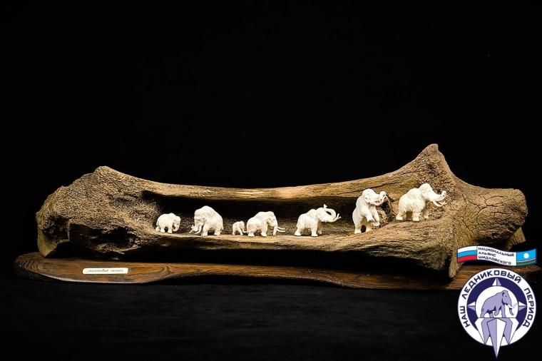Композиция Семь мамонтов на кости из бивня мамонта